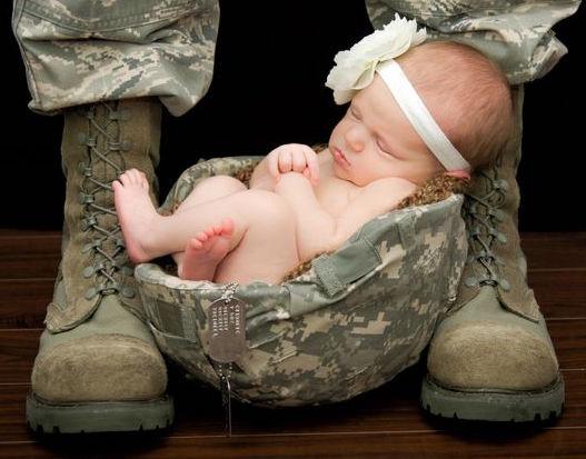 baby-in-helmet
